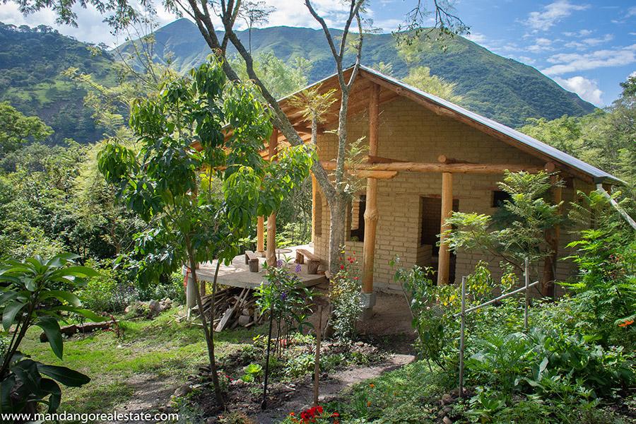 Mandango Real estate